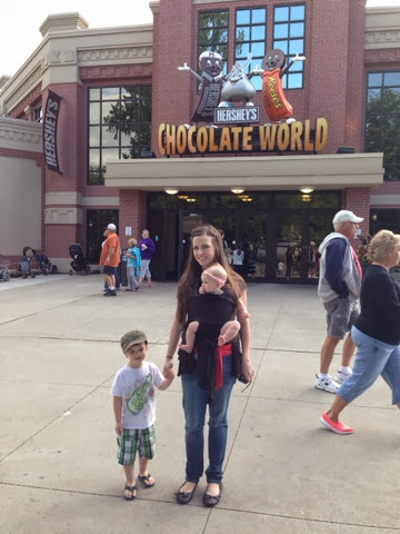 mom and kids at chocolate world