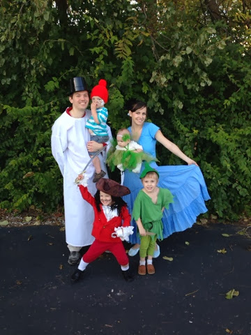 big family dressed as peter pan characters