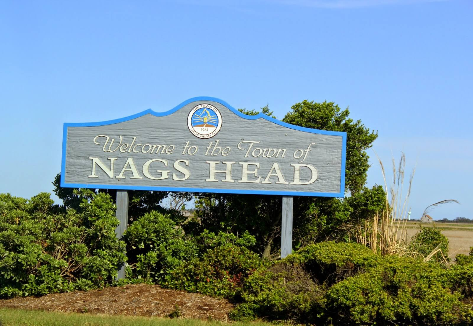 nags head welcome sign
