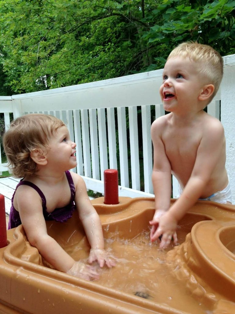 kids activities at water table