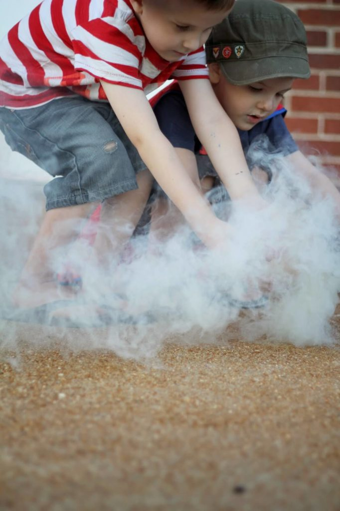 outside kids activities with smokebombs