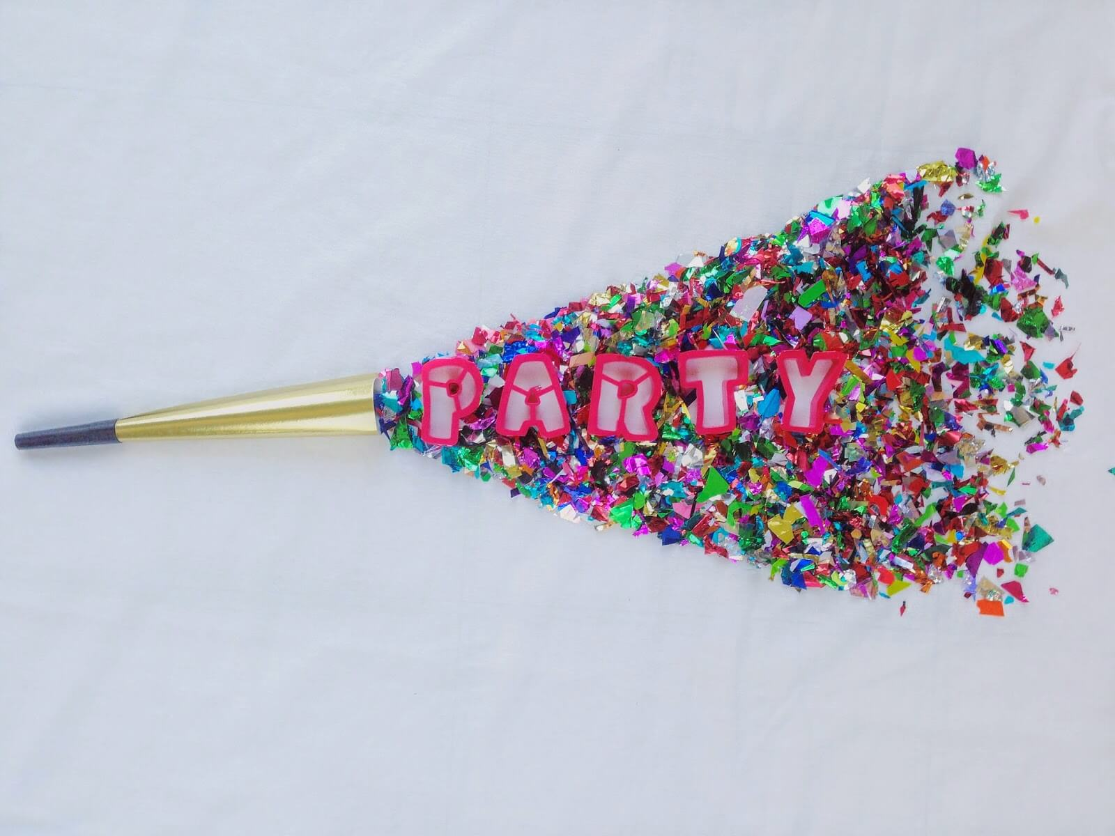 confetti party horn