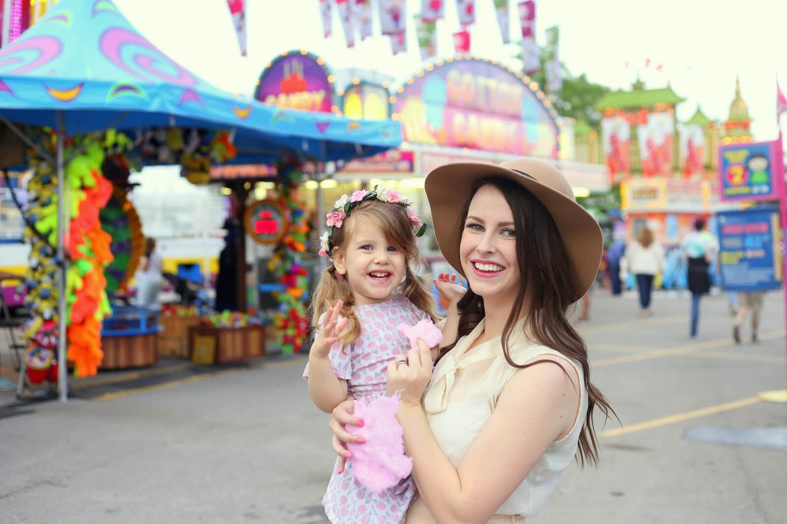 mommy and daughter at carnival